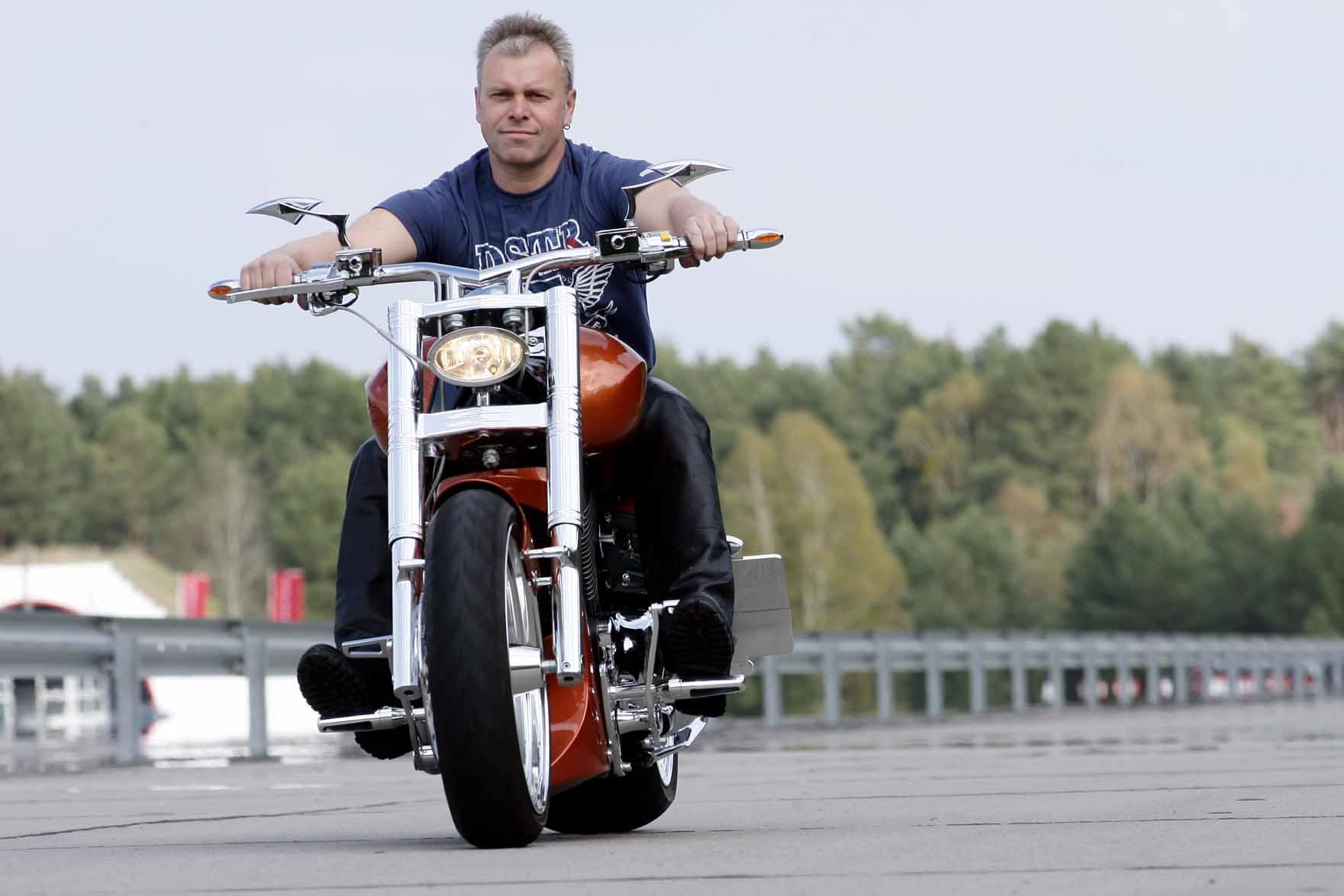 Dirk Wohlgemuth auf Suzuki VL 1500 intruder (drag-style) - Custom Bike