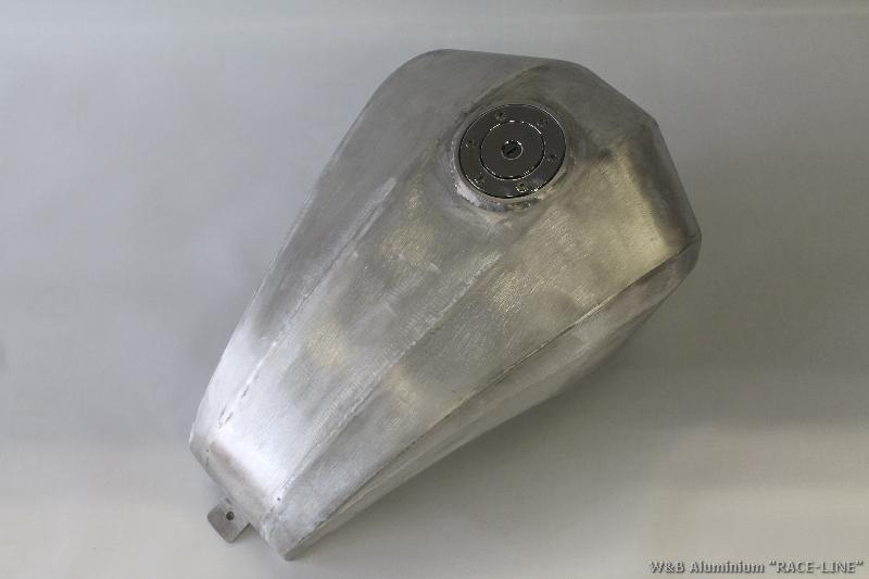 "Tank Aluminium Modell ""Race Line"""